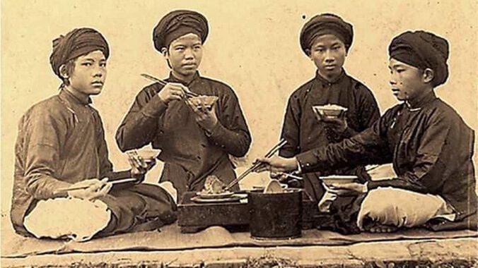 Những quy tắc trên mâm cơm Việt - Ảnh 2