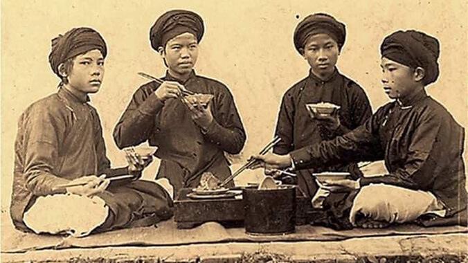 Những quy tắc trên mâm cơm Việt - Ảnh 1